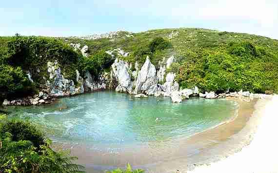 asturias-playa-de-gulpiyuri