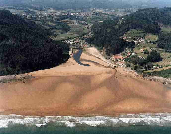 playas-autocaravanas-colunga